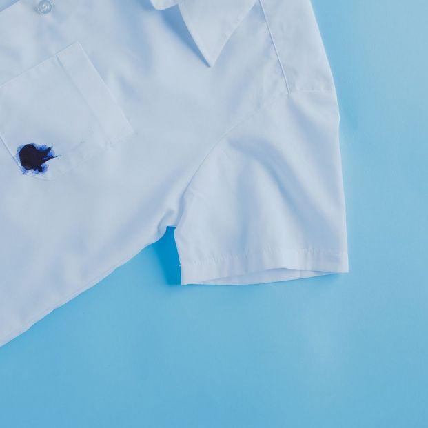 Cómo quitar las manchas de tinta de la ropa