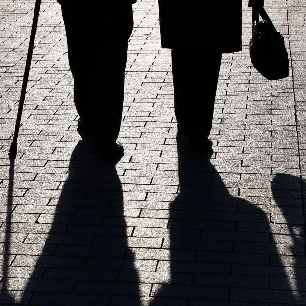 Pensiones contributivas: Un hombre cobra de media 421 euros más que una mujer