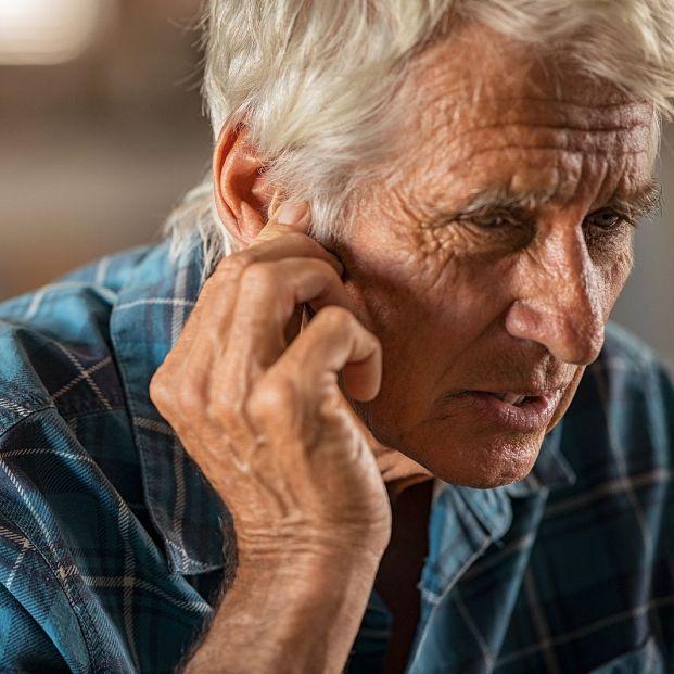 La presbiacusia o pérdida de audición relacionada con la edad