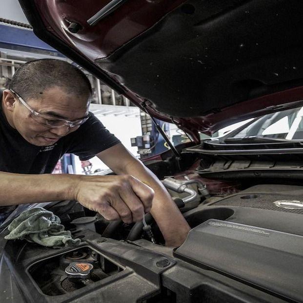 ¿Cada cuánto debes hacer el cambio de aceite de tu coche? (Creative commons)