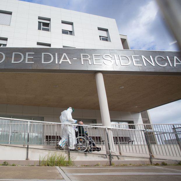 Residencias: Expertos alertan de los daños en la salud de los mayores aislados