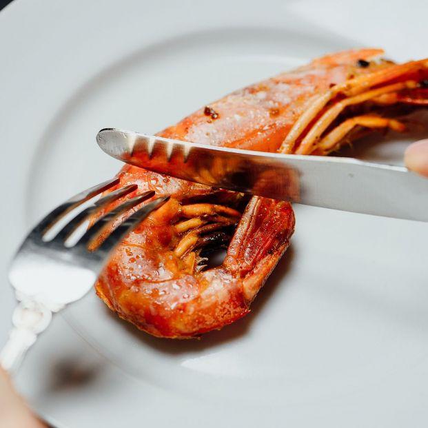 La forma correcta de comer marisco y no hacer el ridículo