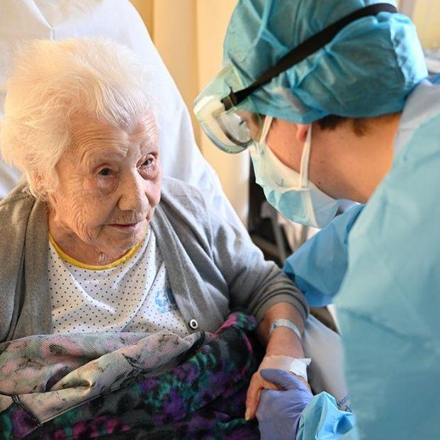 Elena, una superviviente del coronavirus de 104 años