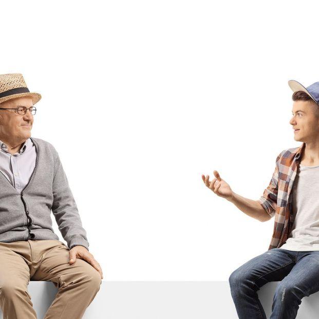 ¿Te cuesta conectar con los nietos? Consejos para conseguirlo