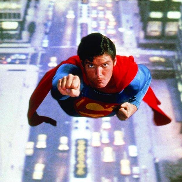 Qué películas de superhéroes son las más relevantes de la historia del cine: Christopher Reeve en Superman (1978) (Warner Bros.)