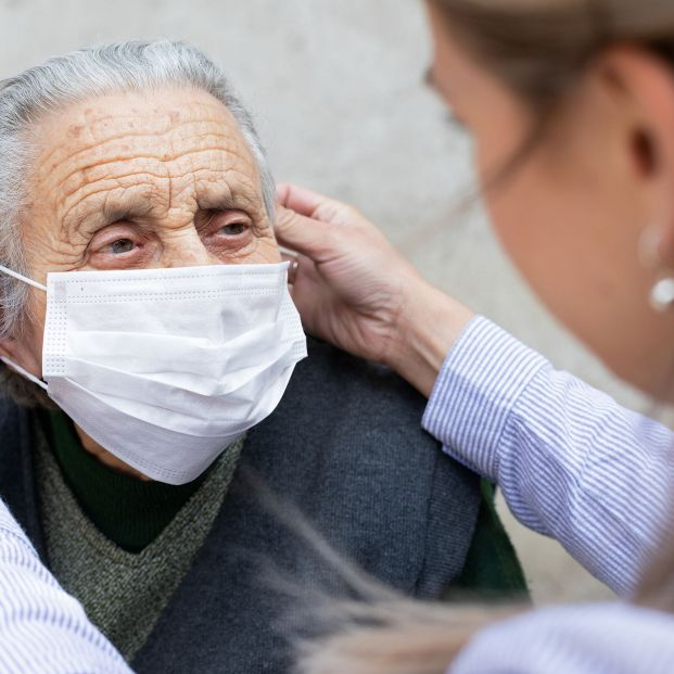 Piden una investigación independiente sobre el trato dado a personas con demencia en la pandemia