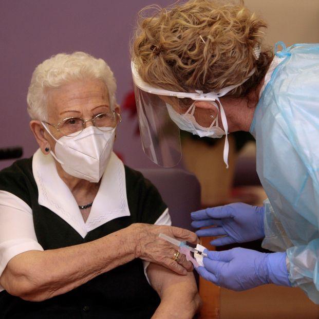 Araceli, Vicente, Batiste, pepita... los primeros vacunados contra el Covid-19 en España