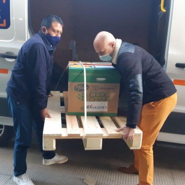 """Una """"incidencia logística"""" en Bélgica retrasa un día la próxima entrega de vacunas de Pfizer. Foto: Europa Press"""