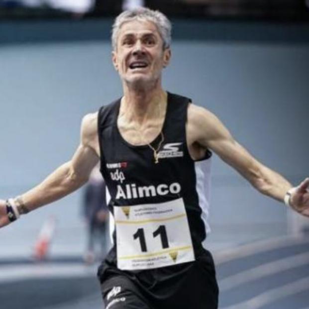 A sus 57 años, Martín Fiz bate de nuevo un récord de España, los 3.000 metros, en la categoría M55. Foto: TW  @maratonfiz