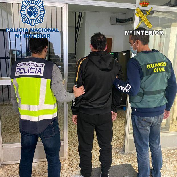 Detenida una cuidadora y un hombre acusados de robar 25.000 € a una septuagenaria con discapacidad