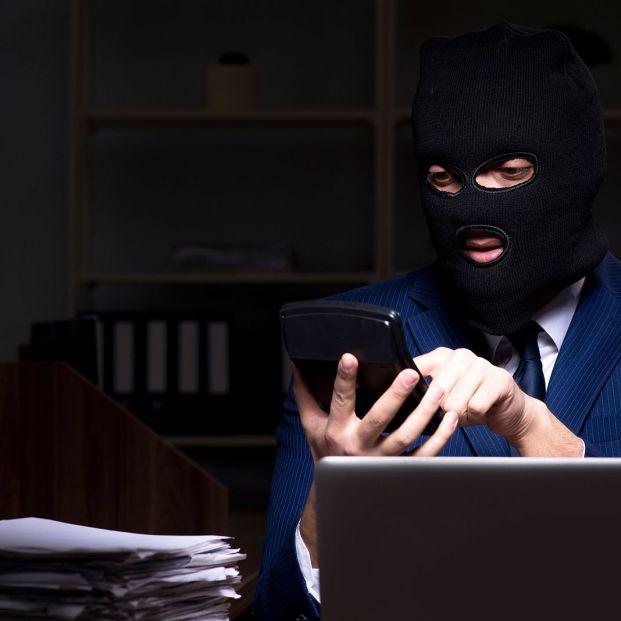 Cómo actuar si sorprendes a un ladrón en casa