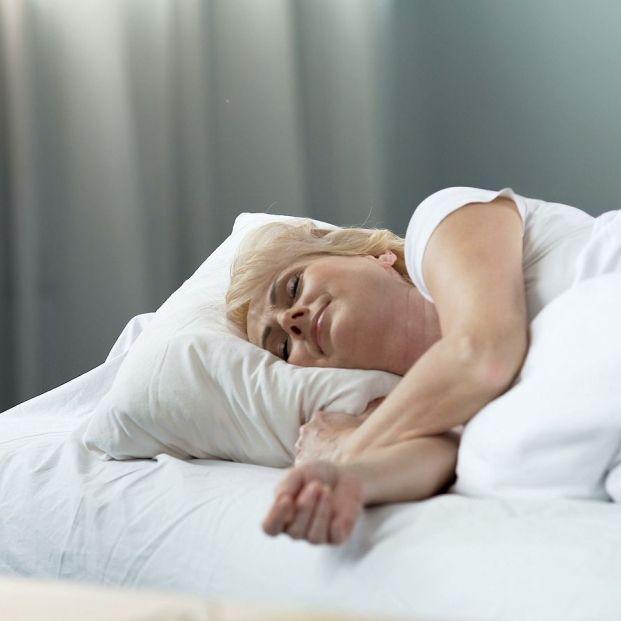 Motivos por lo que las almohadas amarillean y cómo limpiarlas