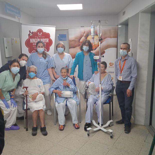 Ningún mayor sin regalos en 12 hospitales de la Comunidad de Madrid