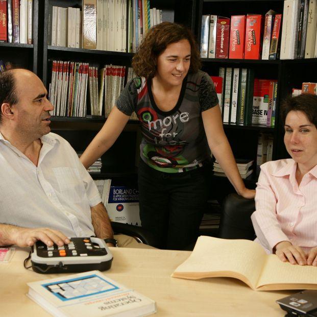 García Márquez, Hemingway o Mark Twain, entre los 66.000 libros en braille y accesibles para ciegos