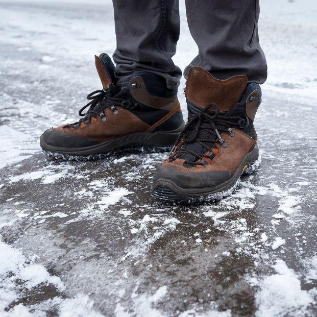 ¡No te resbales! ¿Cómo caminar cuando hay nieve o hielo en las aceras?