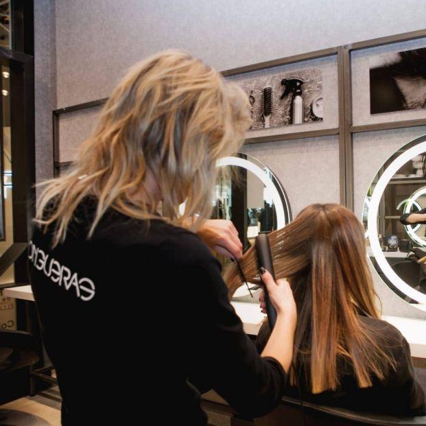 Llongueras se reinventa y lanza un servicio de peluquería a domicilio