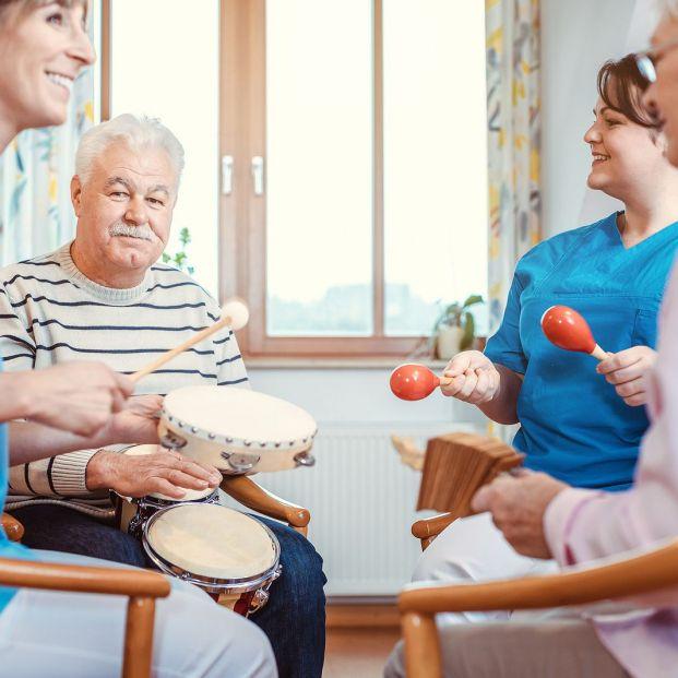 La música y los perros pueden mejorar la calidad de vida de los pacientes con Alzheimer Foto: bigstock