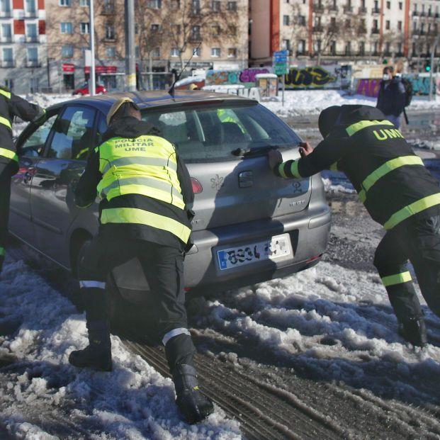 """El Gobierno desaconseja """"el uso del vehículo e incluso salir de casa"""""""