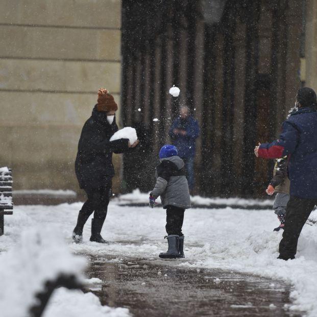 """La pandemia """"retrasa"""" la decisión de tener hijos en España"""