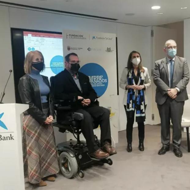 Fundación La Caixa, Ayuntamiento de Pamplona y Fundación CAN contra la soledad de los mayores. Foto: Europa Press