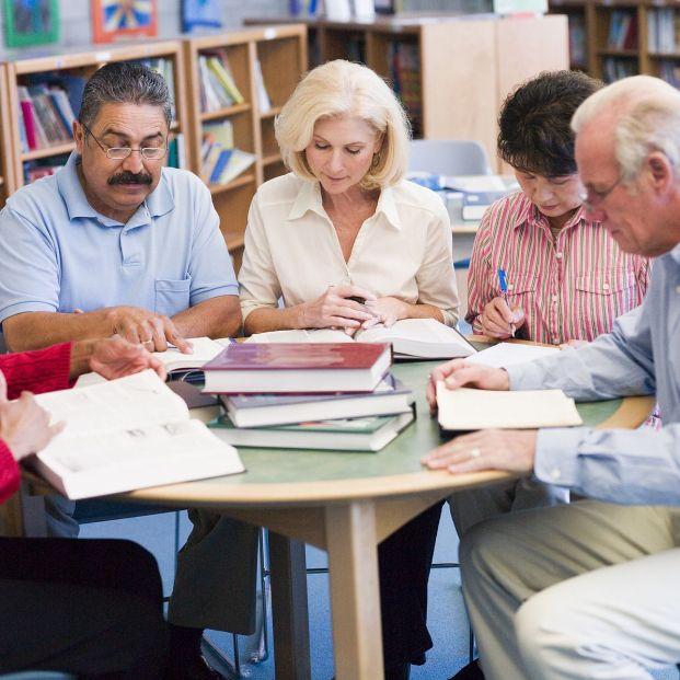 Sí, es posible aprender idiomas pasados los 60 años (Foto Bigstock) 2