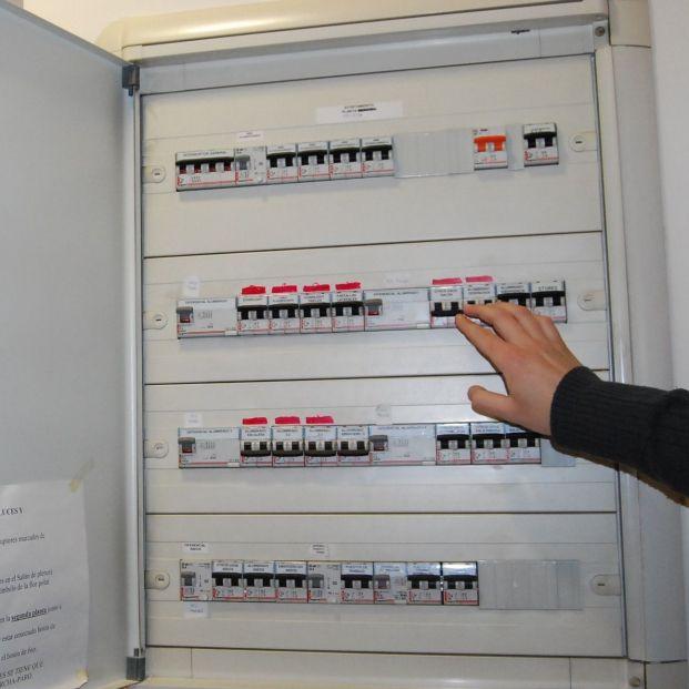 ¿Es buena idea contratar una tarifa plana ante la subida del precio de la luz?