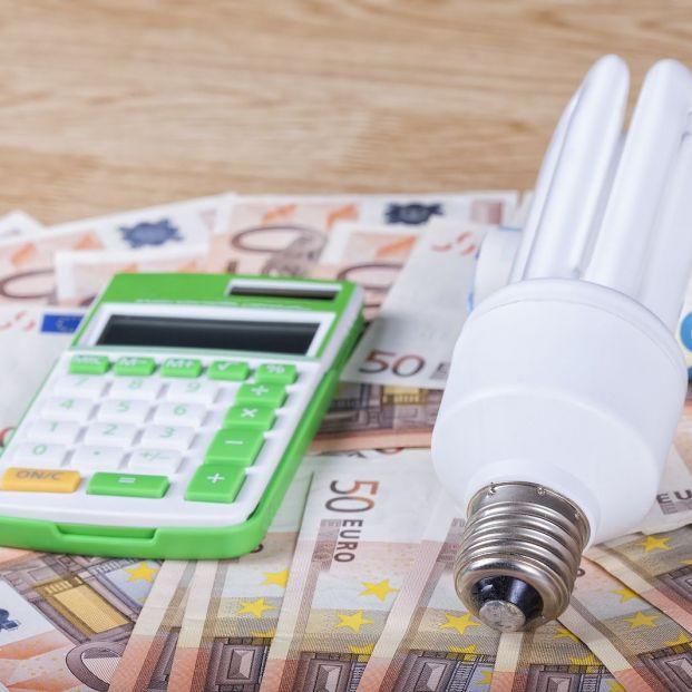 El recibo de la luz se dispara en enero un 18,4%, con 11,6 euros más, por el impacto de Filomena