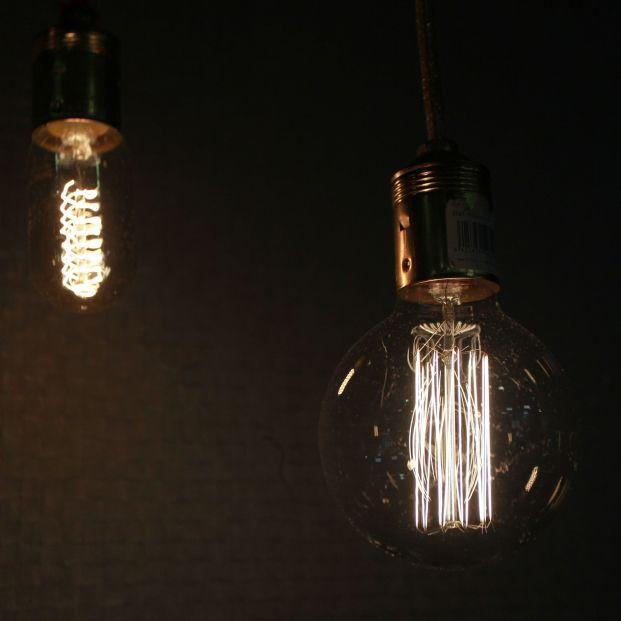 El recibo de la luz continúa su escalada en mayo y se dispara un 44% con respecto al año anterior