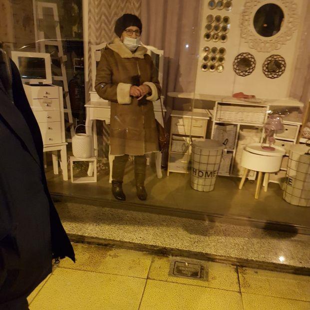 Dejan olvidada a una mujer de 87 años en un bazar chino