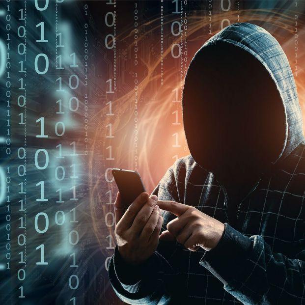 Stalkerware: descubre qué es y si te están espiando