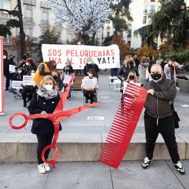 Movilización histórica: las peluquerías reclaman la bajada del IVA al 10%