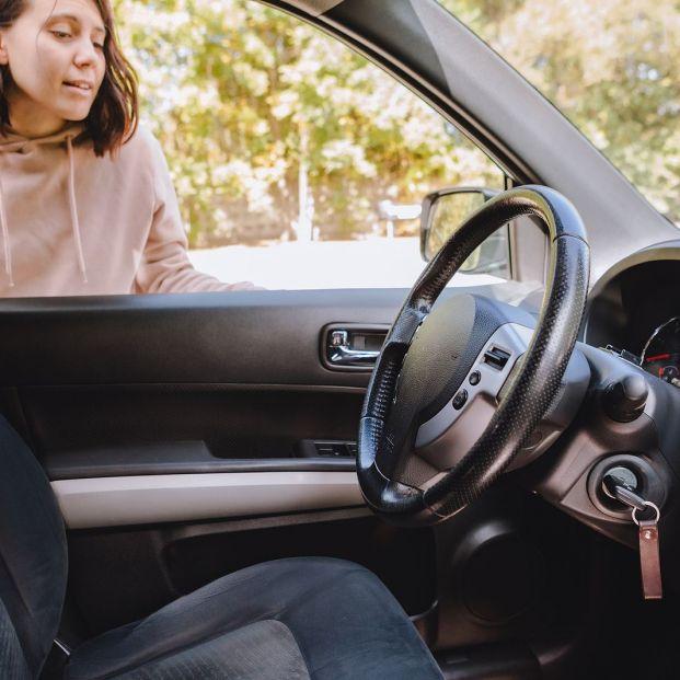 Abre tu coche con una pelota de tenis si olvidaste las llaves dentro Foto: bigstock