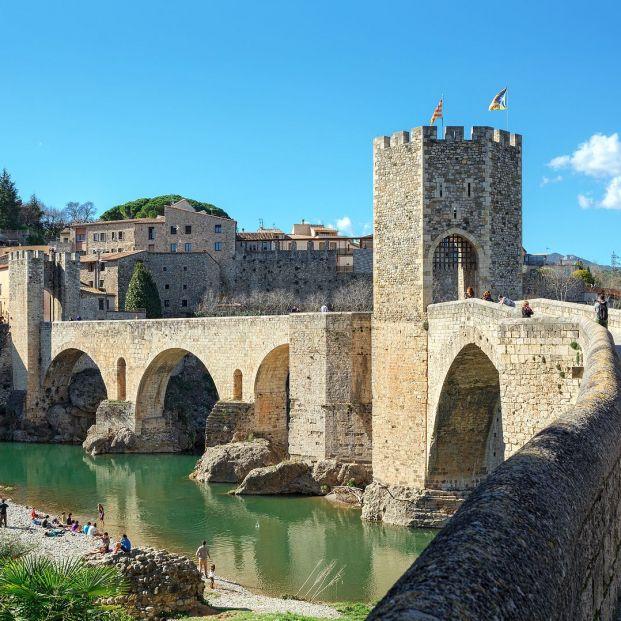 Besalú, una joya medieval en la provincia de Girona Foto: bigstock