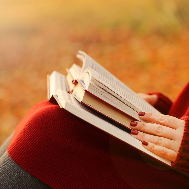 ¿Has leído alguna novela erótica? Te dejamos una lista para empezar bigstock