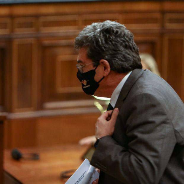 Escrivá aclarará su reforma de las pensiones en el Congreso, tras exigirlo la oposición