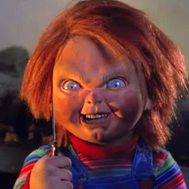 Chucky, el muñeco diabólico, ataca a la gente que no usa mascarilla en el metro de Nueva York  Foto: Captura de pantalla de la serie de syfy