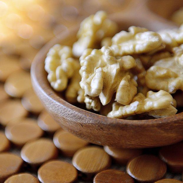 Comer nueces aumenta la esperanza de vida de mayores de 60 años, según un estudio