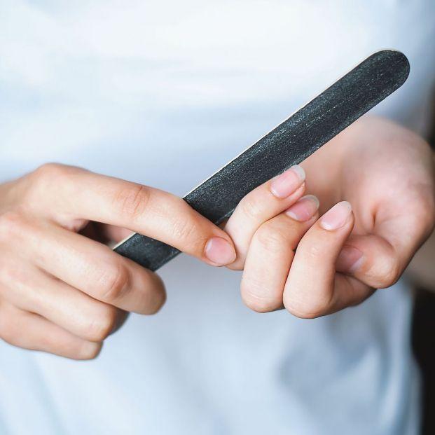 Así debes limar tus uñas para que crezcan más rápido (bigstock)