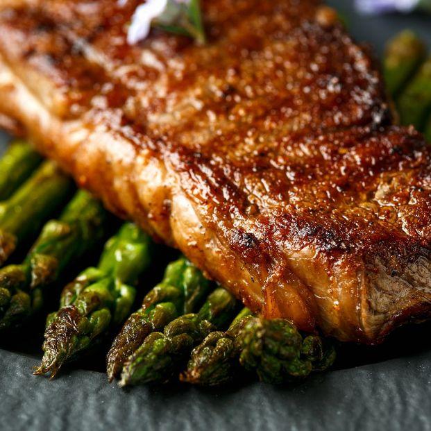 Así se debe cocinar la carne para que quede jugosa y dorada