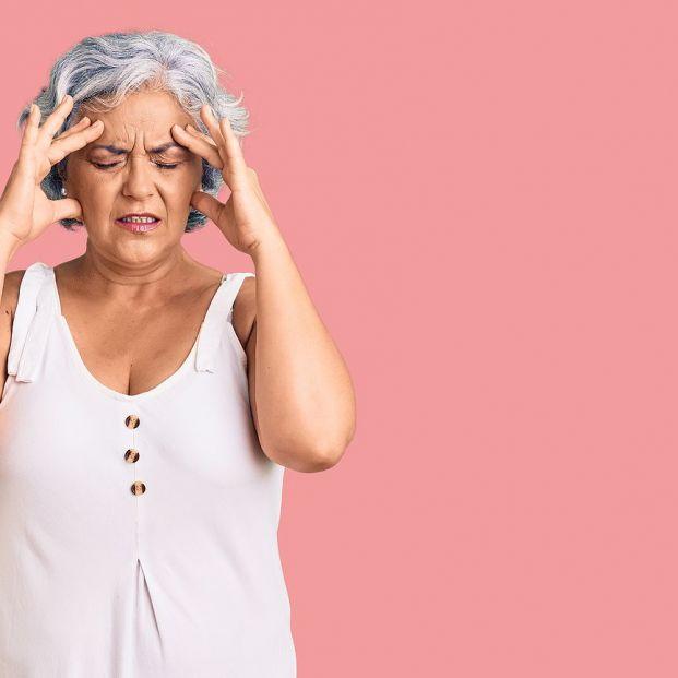 Migraña crónica: tratamiento y prevención (bigstok)