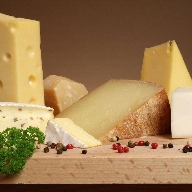 Consejos para cortar los diferentes tipos de quesos Foto: bigstock