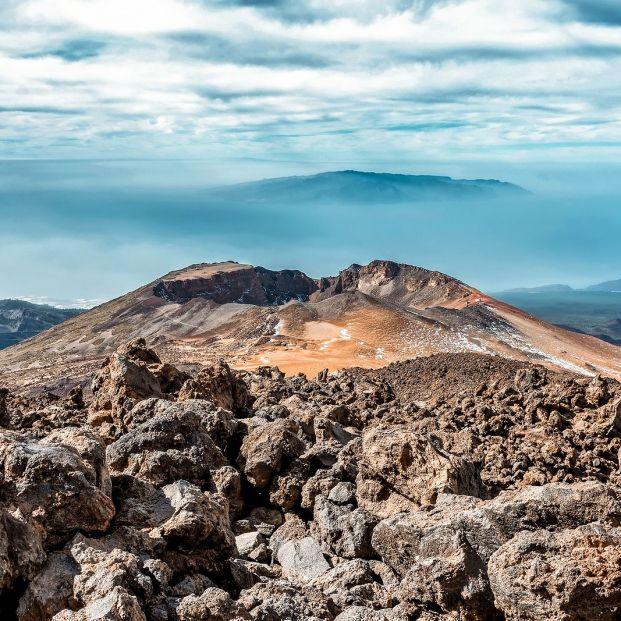 Damos la vuelta al mundo visitando volcanes  bigstock
