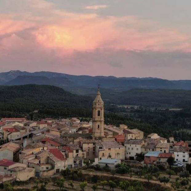 El alcalde de Torre del Compte, en Teruel, rescata la historia del municipio a través de sus vecinos. Foto  Ayuntamiento de Torre del Compte