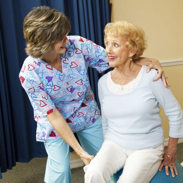 Beneficios de la fisioterapia en la esclerosis múltiple y otras enfermedades neurológicas (Bigstock)