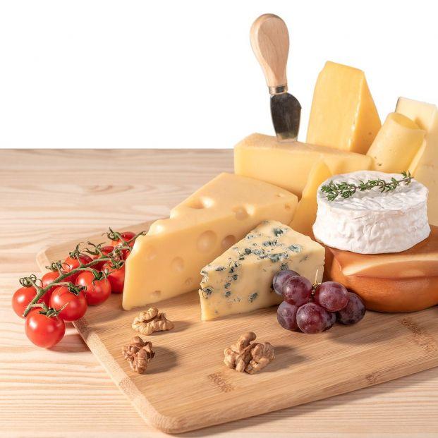 ¿Se deben guardar los quesos en la nevera? Foto: bigstock