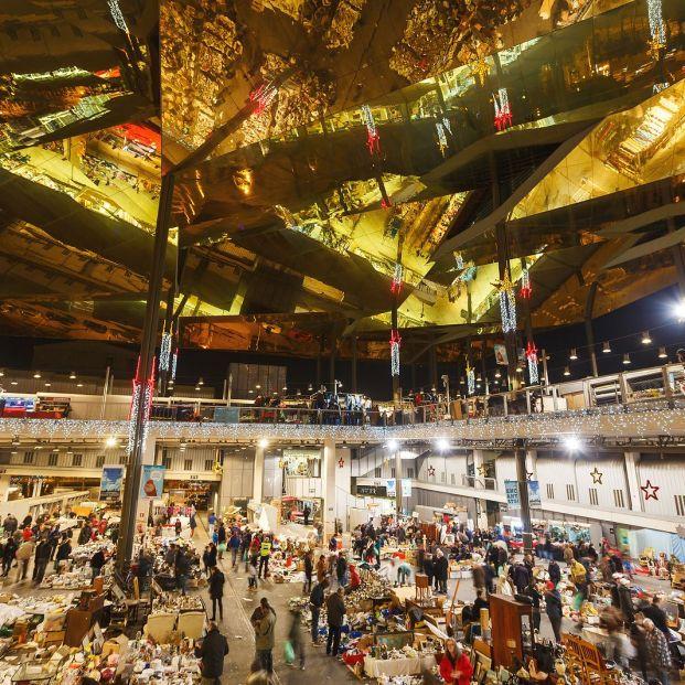 Encantes de Barcelona, un mercado con 700 años de historia único en Europa (Foto Bigstock)