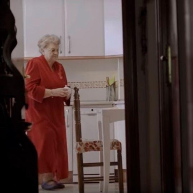Más de 2 millones de personas mayores de 65 años viven solas y de ellas, un 72% son mujeres
