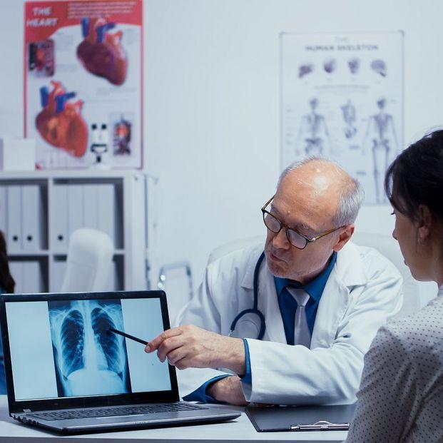 ¿Es mejor acudir directamente al médico especialista? (Bigstock)