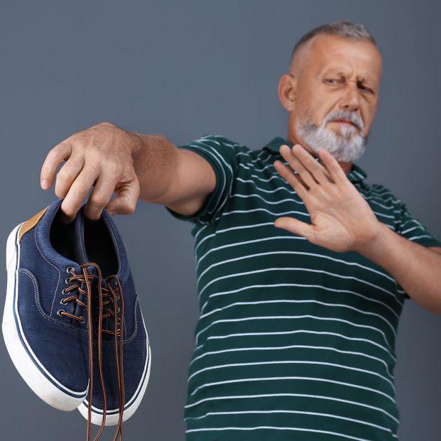 8 trucos para acabar con el mal olor de zapatos y zapatillas