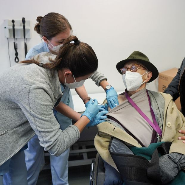 EuropaPress 3578124 comienza vacunacion anticovid mayores cien anos euskadi